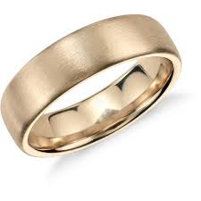 gold wedding bands for him the trend in gold wedding rings for mens gold