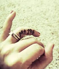 special date fingers tattoo tattoomagz