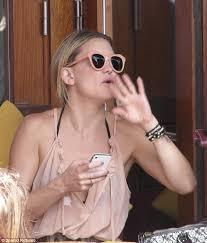 hudson wedding band kate hudson wears gold band on wedding finger but denies