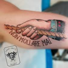tattoo old school mani artists more marzo 2017