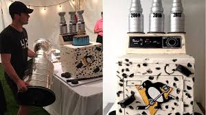 sidney crosby birthday card crosby s dryer takes cake during 30th birthday celebration