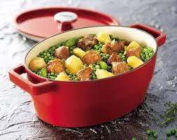 cuisiner des petits pois râgout aux pommes de terre et petits pois en cocotte maggi