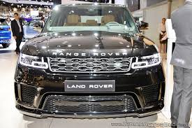 range rover sport engine 2018 range rover sport facelift showcased at dubai motor show 2017