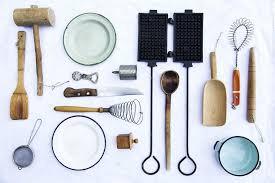 vieux ustensiles de cuisine vieux ustensiles de cuisine photographie teodorad 86241028