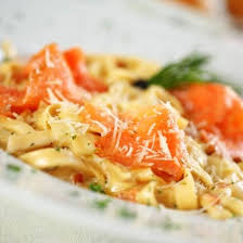 cuisiner le saumon recette pâtes au saumon fumé