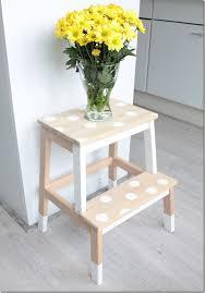 sgabelli legno ikea diy ikea bekvam sgabello scaletta trasformazione e interni