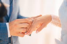verlobungsring tragen ehering und verlobungsring zusammen tragen