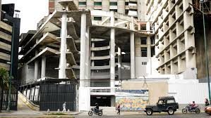 taller desalojo de estructuras y edificaciones reconstruyen una porción mínima de la torre de david
