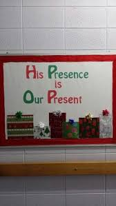 Christmas Window Decorations For Church by Best 25 Christmas Bulletin Boards Ideas On Pinterest