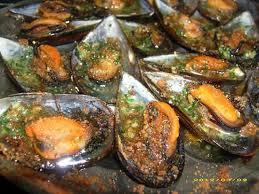 cuisiner moule recette de moules farcies en chapelure de d épices sucré salé
