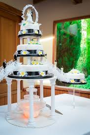 wedding cake auckland douglas and wedding at markovina vineyard estate