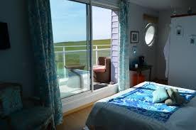 chambre d hote ste de la mer fenêtres sur mer spa le homard se marre vue