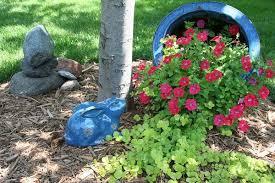 make a spilled flower pot garden design idea