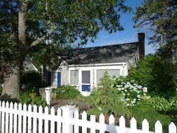 charming quintessential cape cod cottage homeaway dennis port