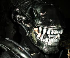 alien warrior costume from aliens 8 steps