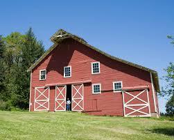 file nice red barn jpg wikimedia commons