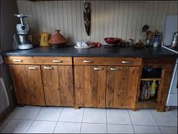 construire une cuisine construire cuisine trendy une cuisine quipe avec du bois de