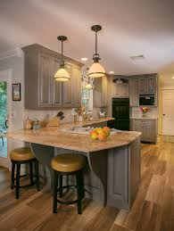 oak kitchen cabinets a comeback selecting kitchen cabinets