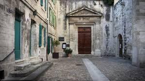 bureau de change avignon hôtel le prieuré site officiel de l office de tourisme de la ville
