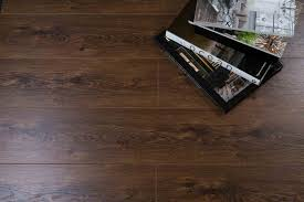 trade choice 8mm prestige oak laminate flooring