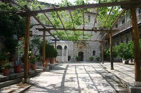 47 grigoriou courtyard jpg jpeg image 2048 1360 pixels