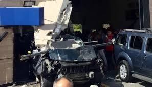 blood everywhere u0027 witnesses describe car auction crash chaos necn