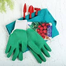 get ur helping gift a gift set of radish imp scarlet