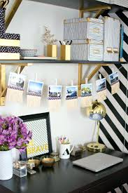Christmas Decorations For Office Desk Office Design Easy Ways To Decorate Your Office Space How To