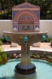 Gartengestaltung Mit Steinen Und Grsern Modern Wasserspiel Im Garten Mit Brunnen Bach Oder Wasserfall