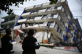 pictures show mexico scrambling after major earthquake