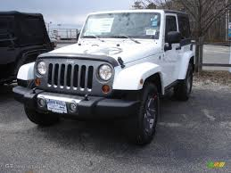 white and black jeep wrangler 2013 bright white jeep wrangler oscar mike freedom edition 4x4