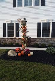 Madison Solar Lamp Post Planter by Best 25 Outside Lamp Post Ideas On Pinterest Outside Light Post