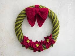poinsettia wreath crochet kit craftsy