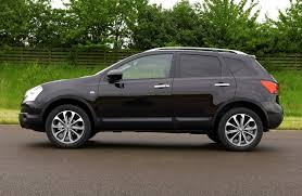 nissan qashqai vs peugeot 3008 nissan qashqai station wagon 2007 2013 features equipment and