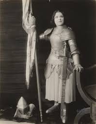 Joan Of Arc Flag File Geraldine Farrar As Joan Of Arc Jpg Wikimedia Commons