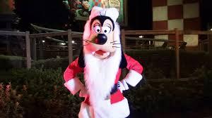 santa goofy meet and greet at mickey u0027s very merry christmas party