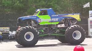 monster truck shows videos stunt und action show monster truck show wetzlar 2017 roselly