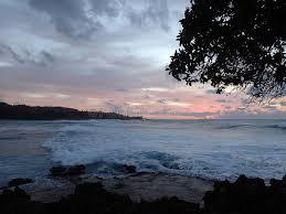 imagenes hermosas que se mueben luz hermosa de la oscuridad sobre el océano con las ondas que se