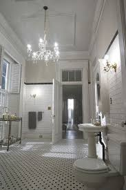 Ellen Bathroom Scares The New Orleans Mansion From