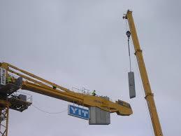 file tower crane assembly jyväskylä jpg wikimedia commons