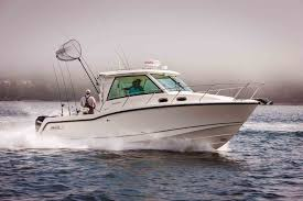 315 conquest piltohouse boat model boston whaler