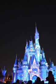 a frozen holiday wish debuts at magic kingdom dis blog