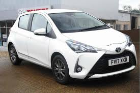 toyota white car used cars in stock at listers toyota grantham for sale