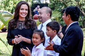 angelina jolie steps out at cambodia premiere of her new film