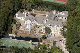 tom cruise mansion tom cruise drunk neighbour tasered and arrested for climbing