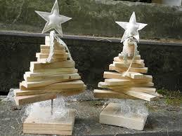 weihnachtsdekoration aus holz weihnachtsdeko nostalgischer weihnachtsbaum aus paletten holz