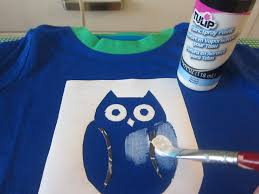 diy shirt designs how to make your own freezer paper stencils