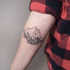 25 beautiful small mountain tattoo ideas on pinterest mountain