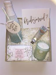 will you be my of honor gift best 25 bridesmaid gift boxes ideas on brides
