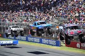 stadium super trucks adelaide 500